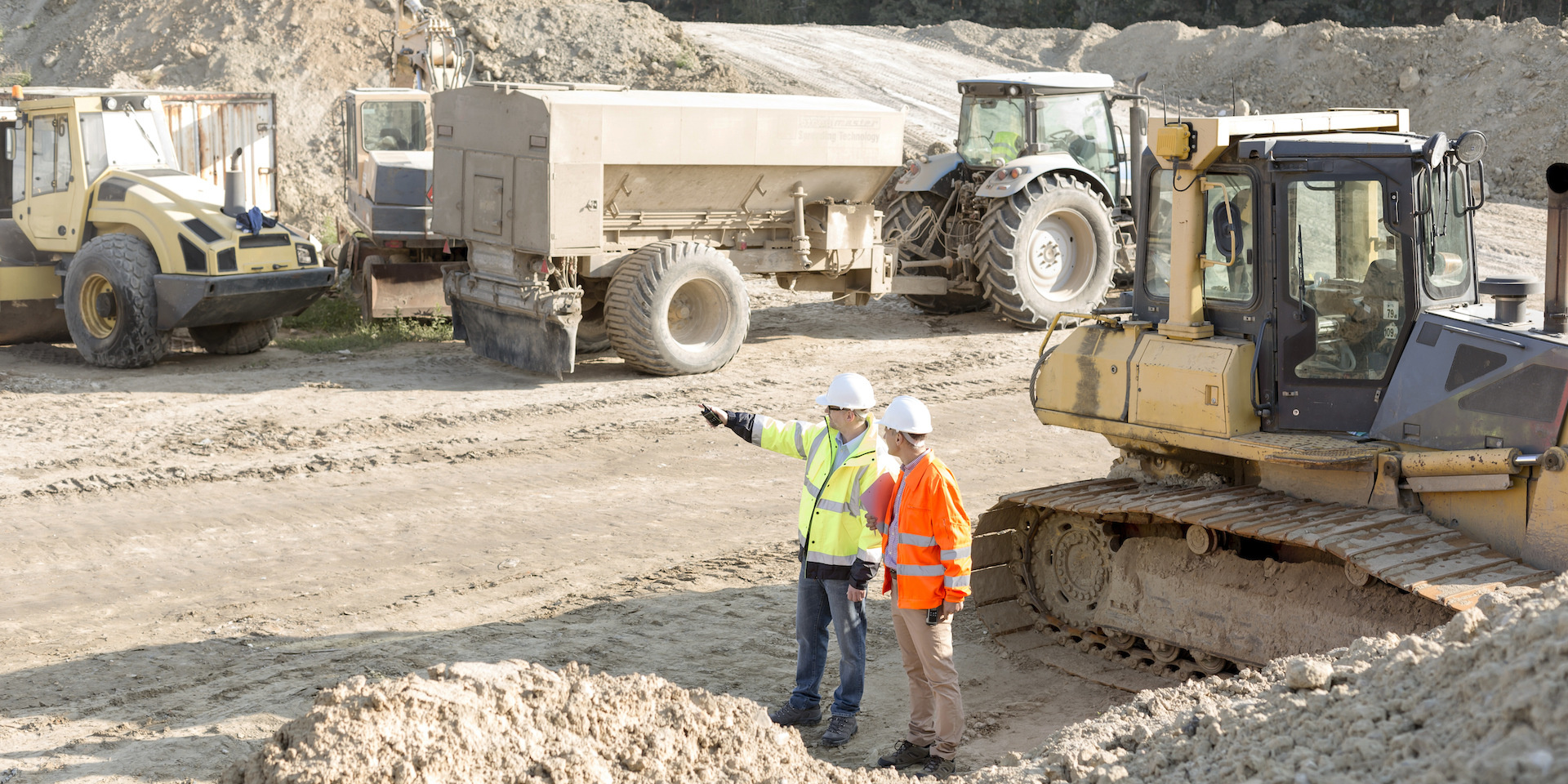 Строеж на производствени и складови помещения (снимка)
